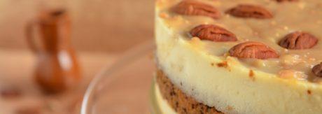 Torcik sernikowy z ciastem marchewkowo - bananowym