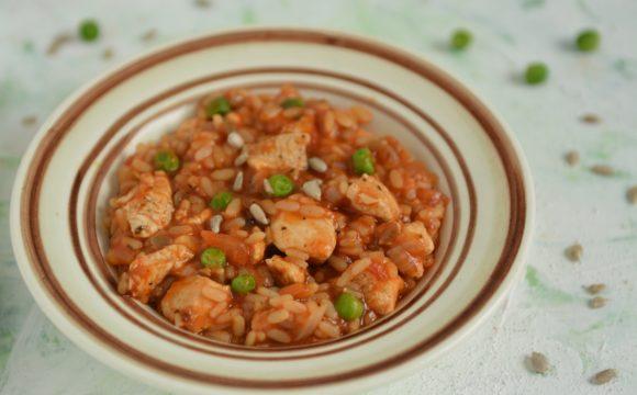 Pomidorowe risotto z słonecznikiem i kozim serem