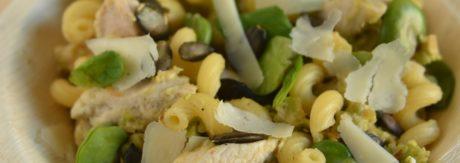 makaron z bobem, kurczakiem i miętą