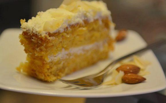 Ciasto dyniowe z migdałami i gruszką