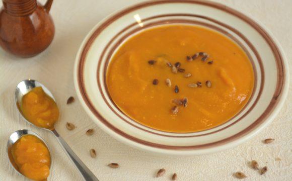 Zupa krem z dyni z passatą i trawą cytrynową