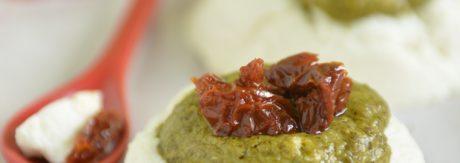 zapiekane Babeczki z ricotty z pesto i z suszonymi pomidorami