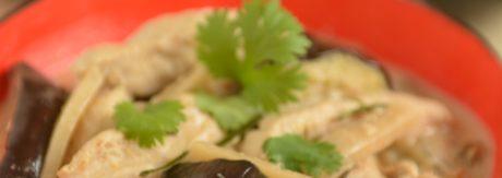 Curry z bakłażanem i kurczakiem
