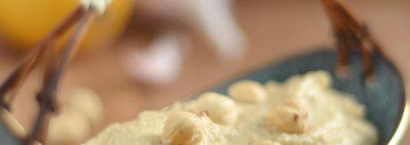 pasta z ciecierzycy i orzechów laskowych