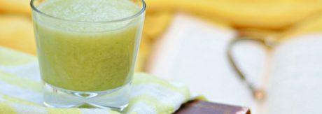 Koktajl z selera naciowego, ogórka, banana i gruszki
