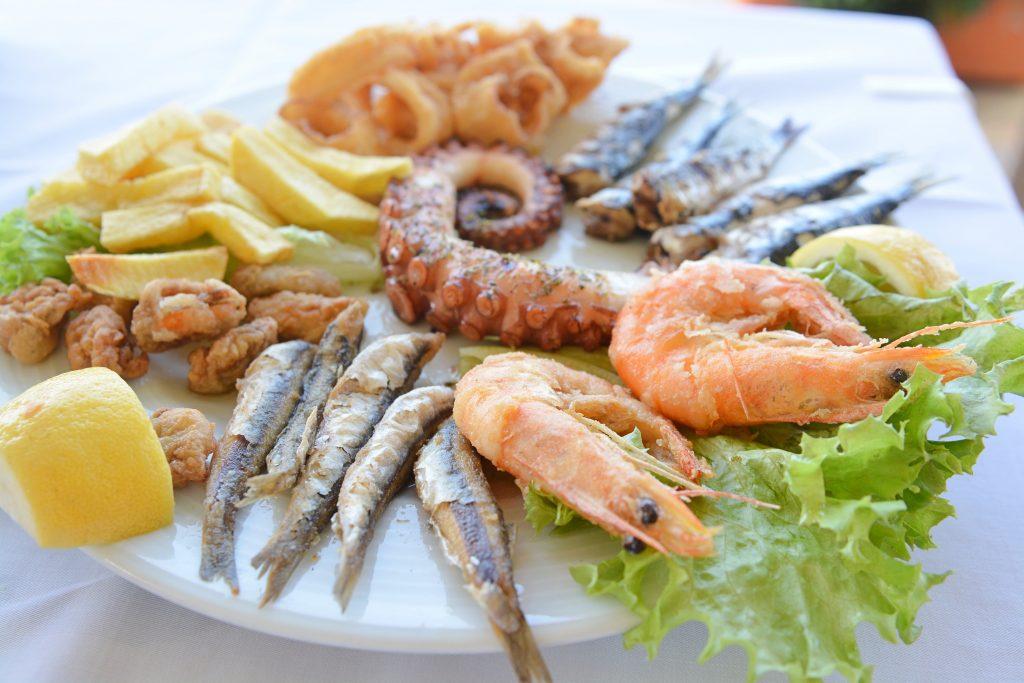 kuchnia grecka owoce morza