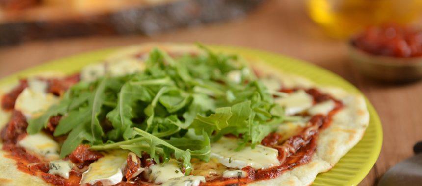 Szybka pizza z patelni – 4 sery