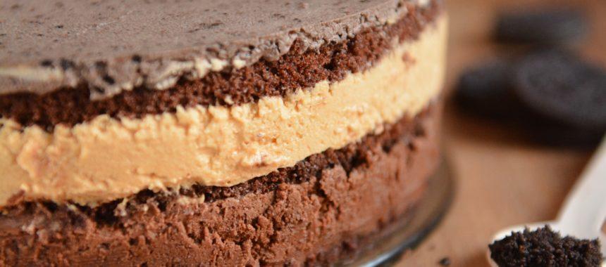 Tort Oreo z solonym karmelem i krokantem