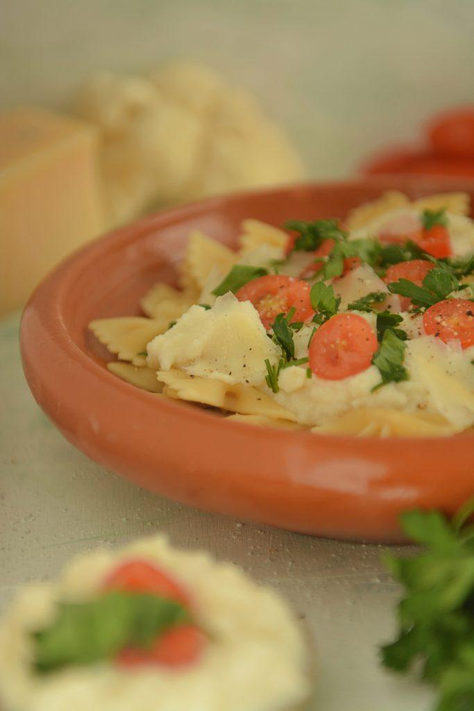 Makaron z sosem z kalafiora