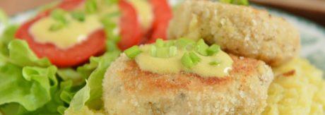 kotleciki rybne z kaszą z sosem musztardowym