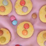 Budyniowe ciasteczka z lentilkami