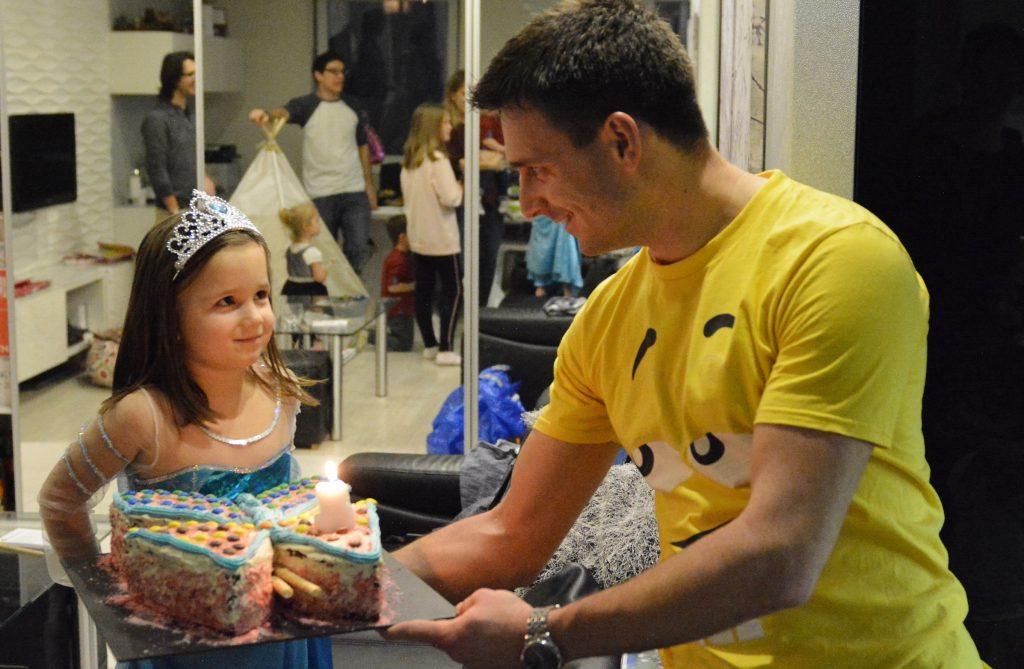 idealny tort dla dziewczynki motylek