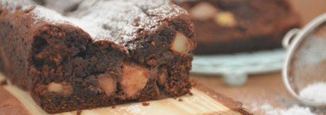 Szalenie wilgotne ciasto z gruszkami i jabłkami