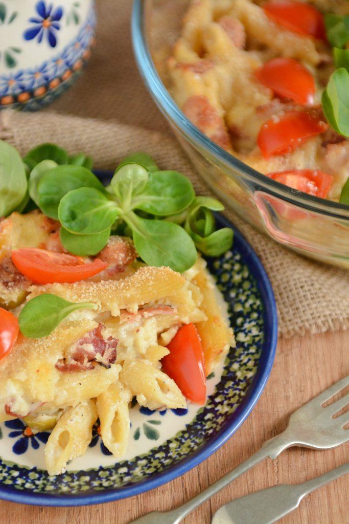 zapiekanka z makaronem i salami