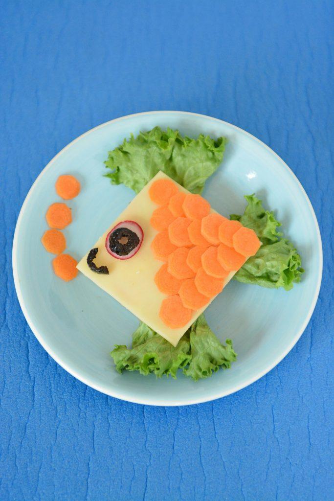 kanapka dla dziecka dekoracja rybka