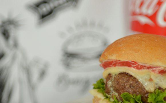 Burgery wołowe z sosem musztardowo - miodowym