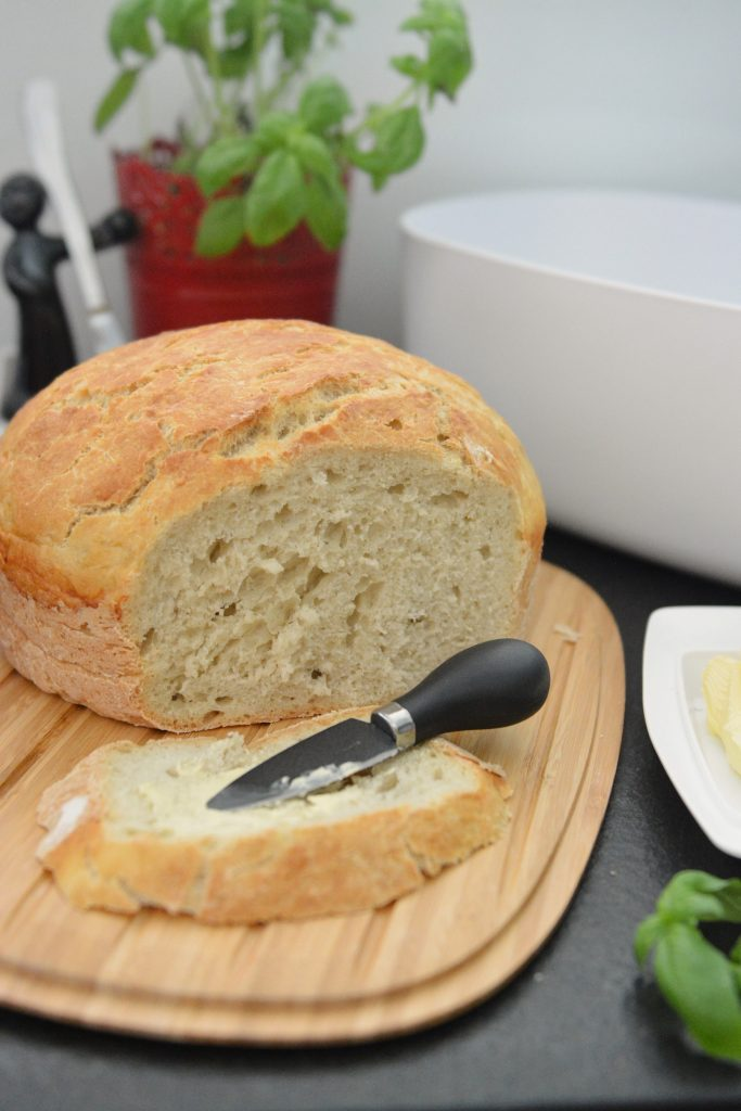 Nocny chleb z garnka