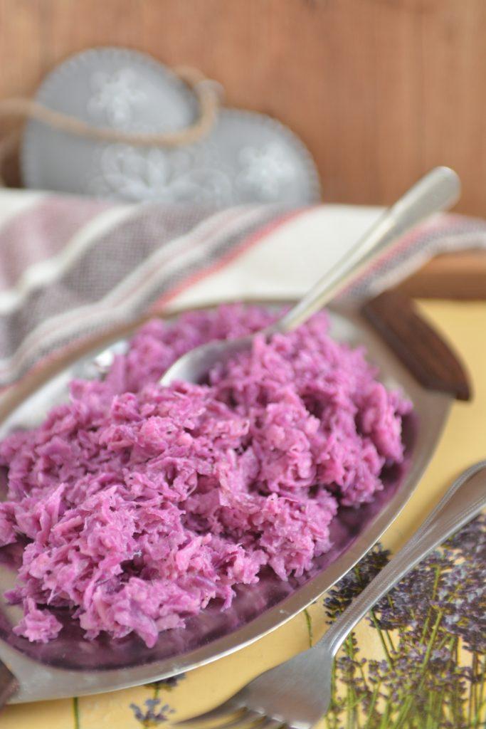 sałatka-surówka z czerwonej kapusty