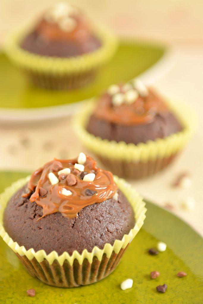 Muffiny czekoladowe z kajmakiem