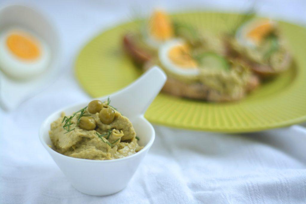 Hummus z zielonego groszku konserowego