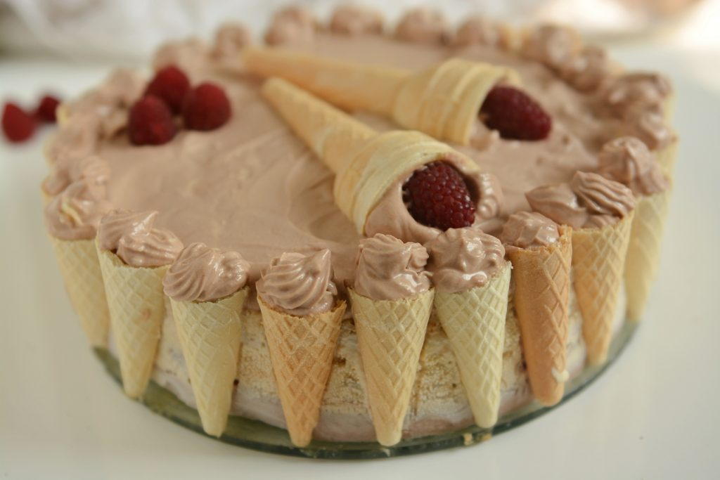 Orzechowy tort lodowy