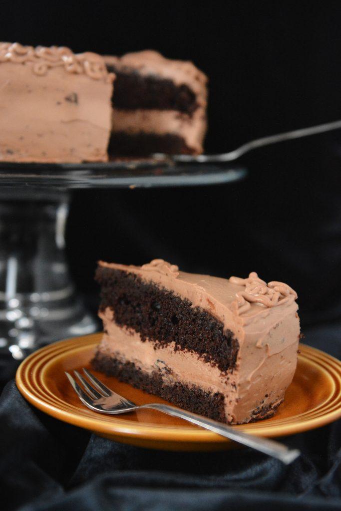czekoladowy tort z kremem czekoladowym