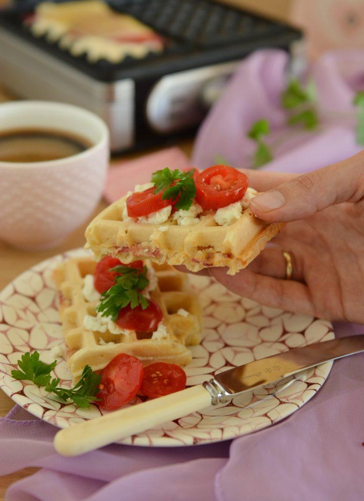 gofry na słono z serem i szynką