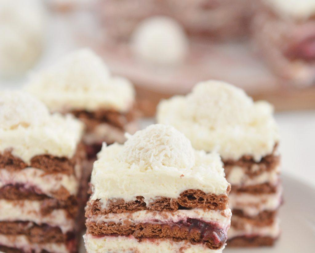 Kokosowa wiśnia – szybkie ciasto bez pieczenia