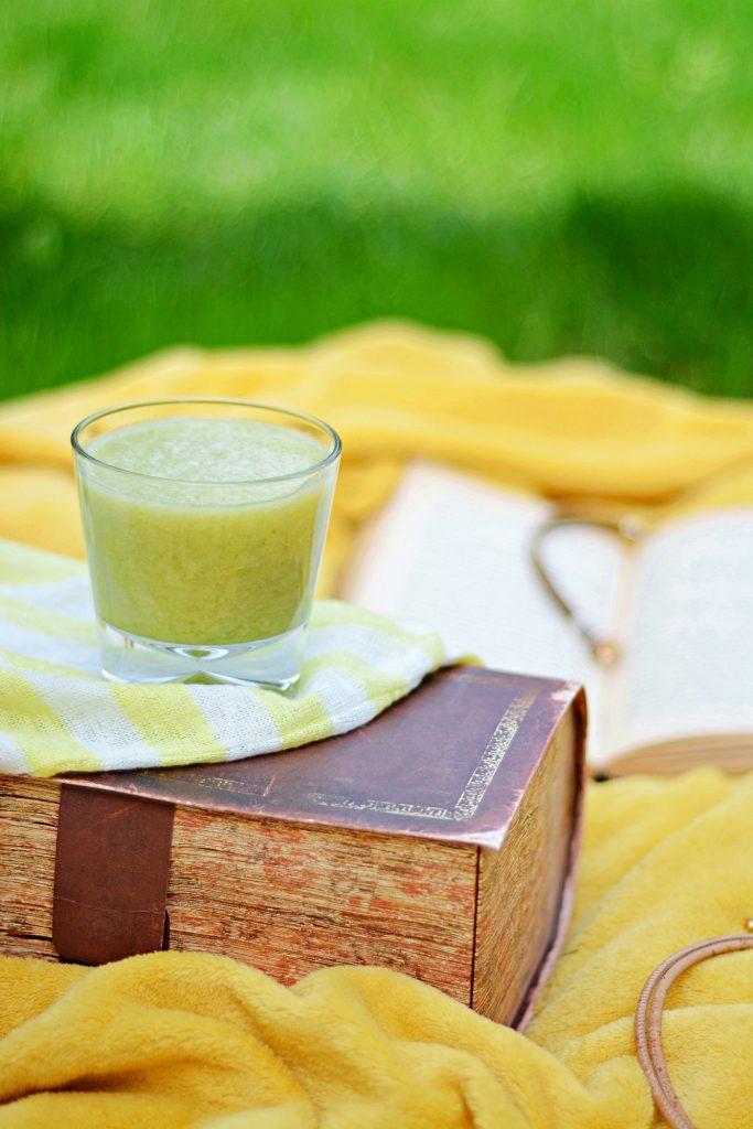 Deserki-smoothie_sok seler naciowy, ogorek, banan, gruszka1