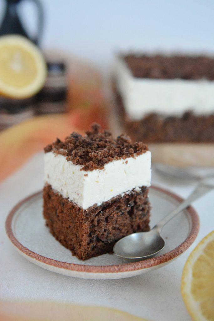 Ciasto korzenne z powidłami i kremem cytrynowym