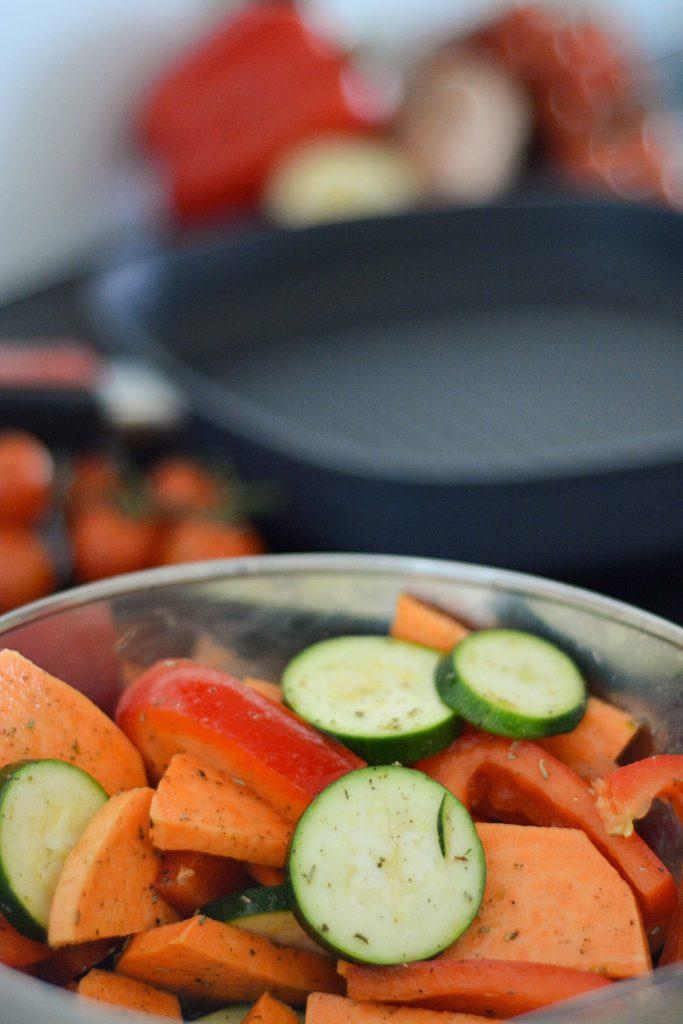 jak smażyć warzywa na patelni grillowej