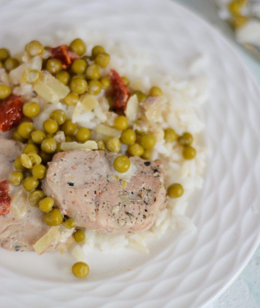 Polędwiczki z groszkiem i suszonymi pomidorami