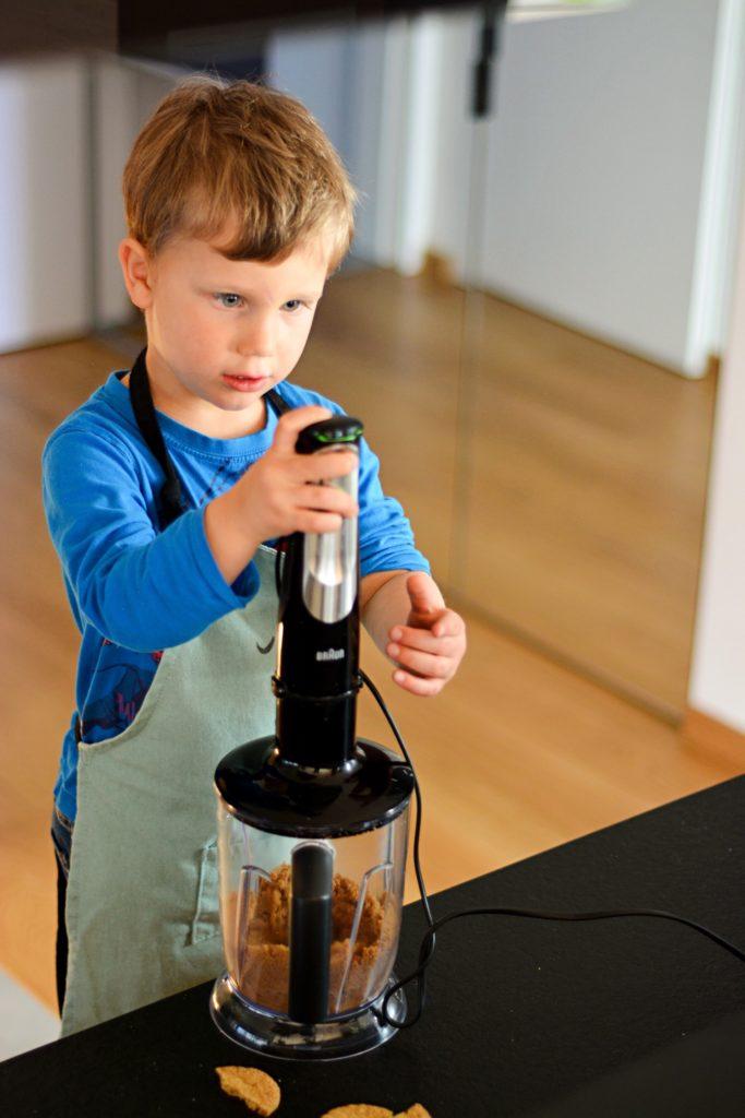 jak zaangażować dziecko w kuchni