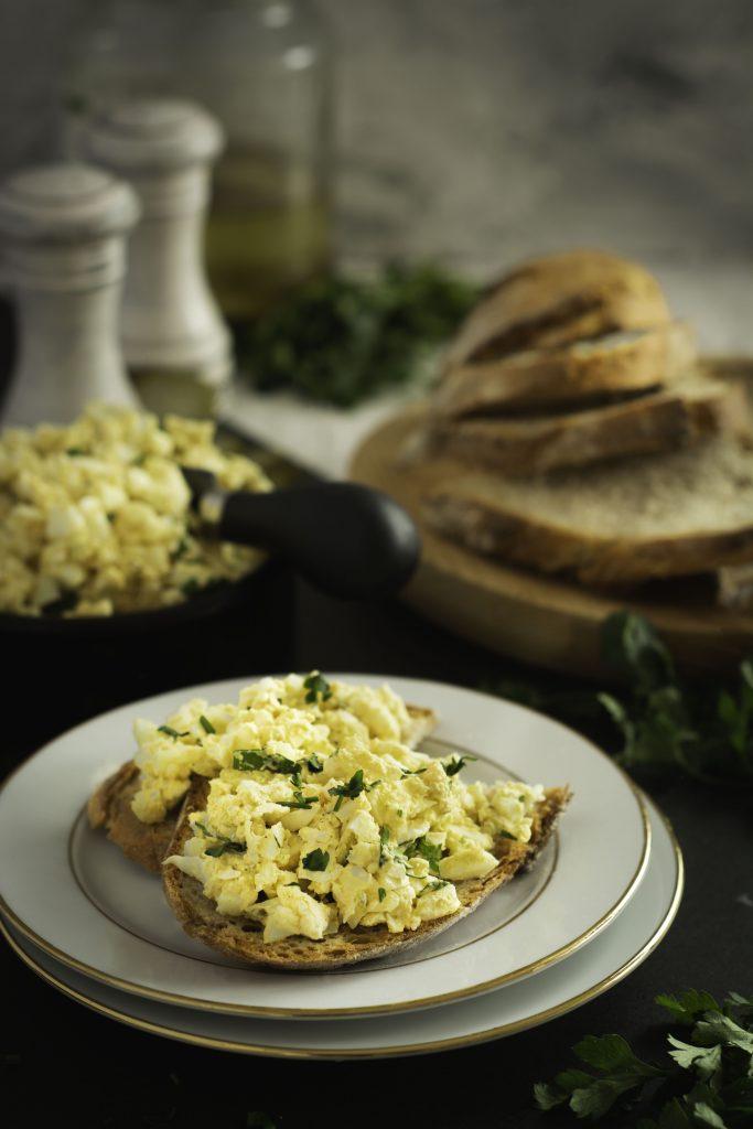 Pasta jajeczna z selerem naciowym