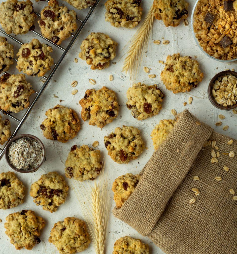 Ciasteczka otrębowe z granolą i bakaliami