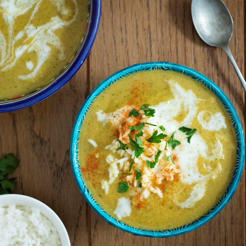 Zupa curry z cukinii i z nerkowcami