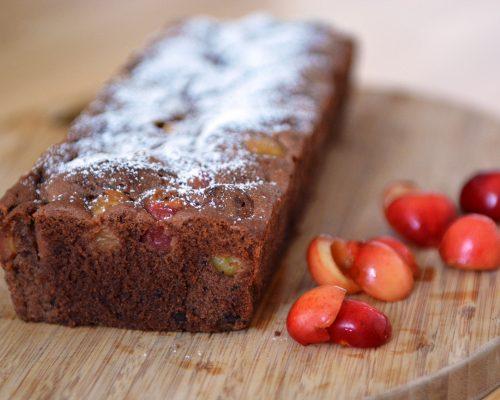 wilgotne ciasto czekoladowe z czereśniami