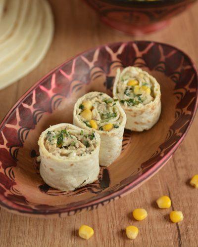 Przystawki-tortilla z tuńczykiem, mozzarellą i kukurydzą2