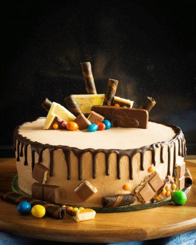 Czekoladowy tort z nutellą i z dripemi
