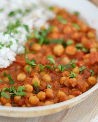 Szybkie curry z ciecierzycy