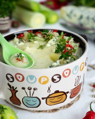 Zupa porowa z serem pleśniowym