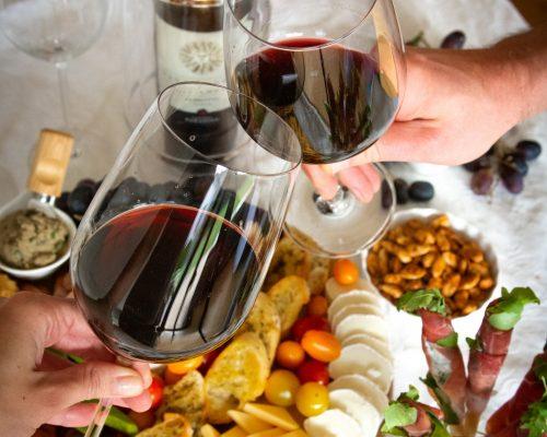 najlepsze przekąski do wina