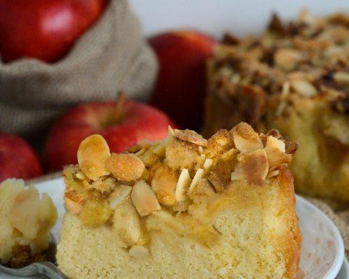 Jabłecznik z karmelizowanymi migdałami