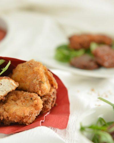Chrupiące nuggetsy z kurczaka w ziołowej panierce